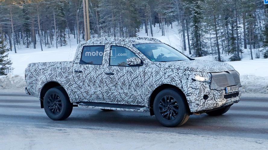 Mercedes X-Class spied under development in snowy road