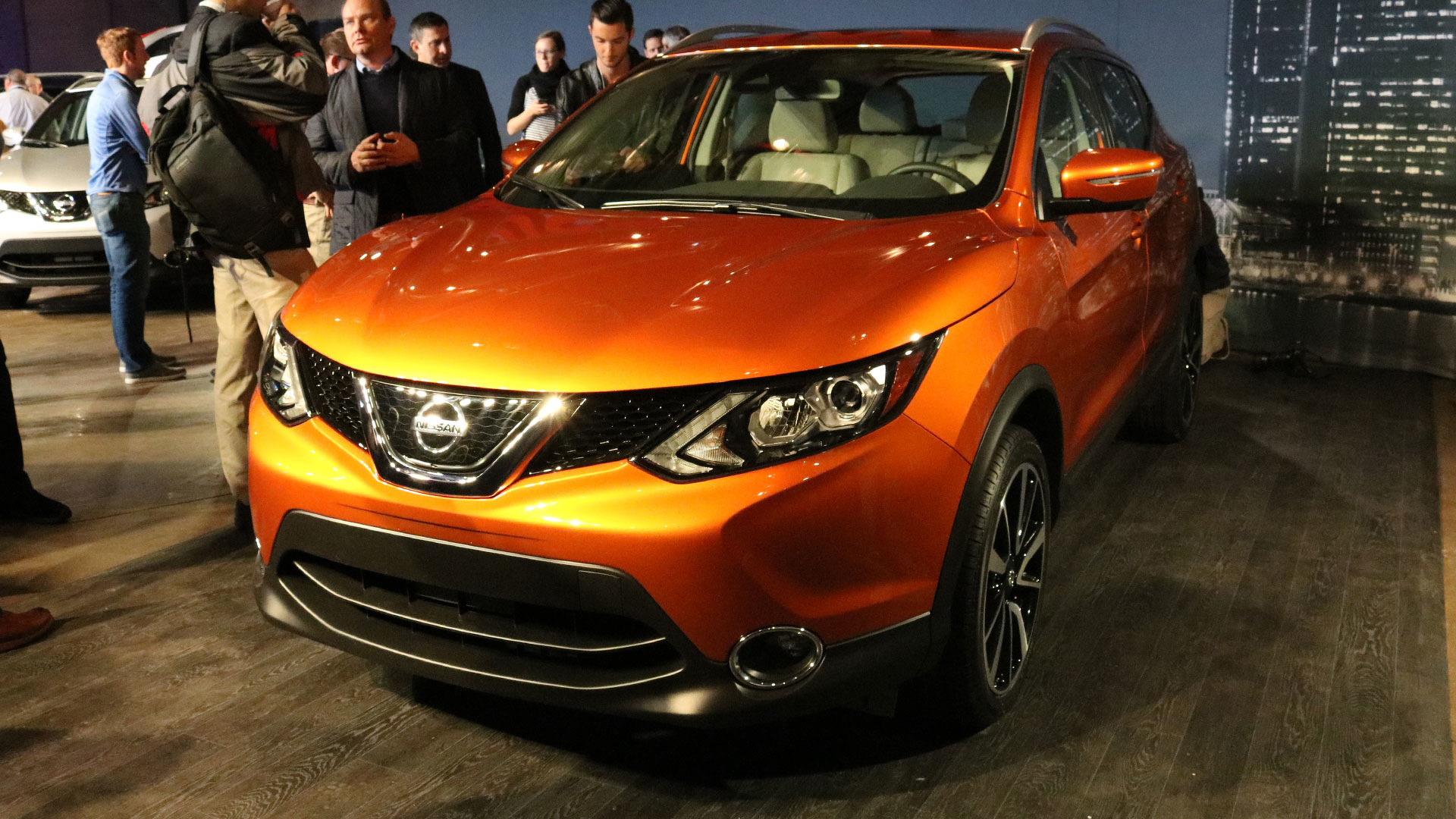 https://icdn-4.motor1.com/images/mgl/MbQn8/s1/2017-nissan-rogue-sport.jpg