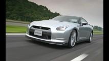 Vídeo: Linha de produção do Nissan GT-R tem processos artesanais