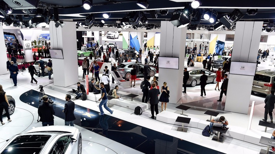 Ford, Volvo, Rolls-Royce skipping Paris show in favor of web marketing