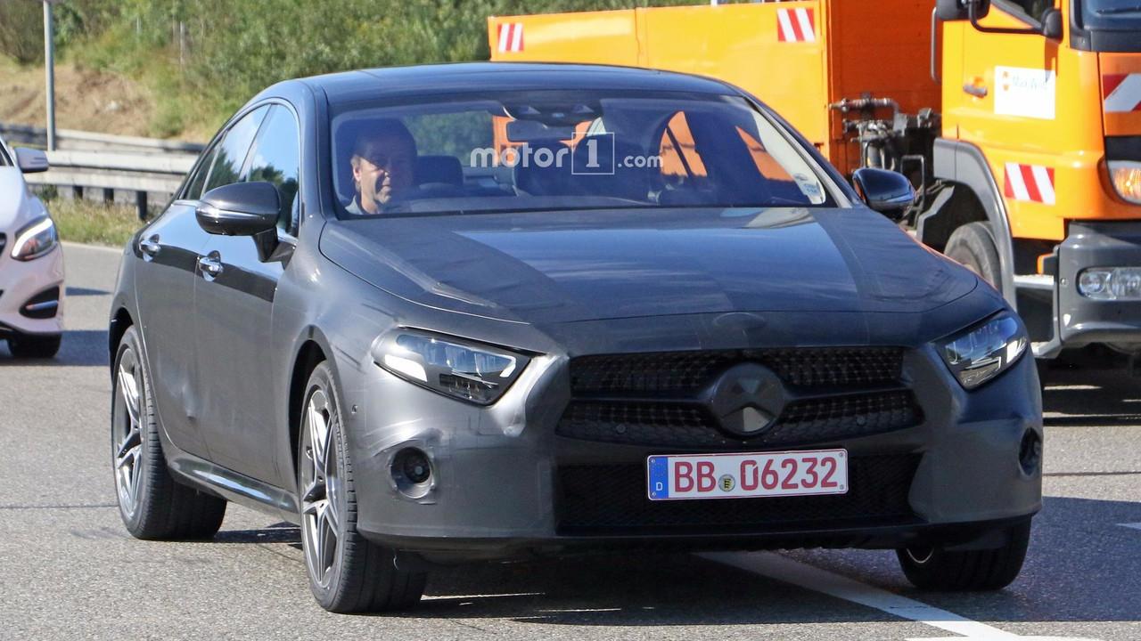 Mercedes CLS 2018 fotos espía