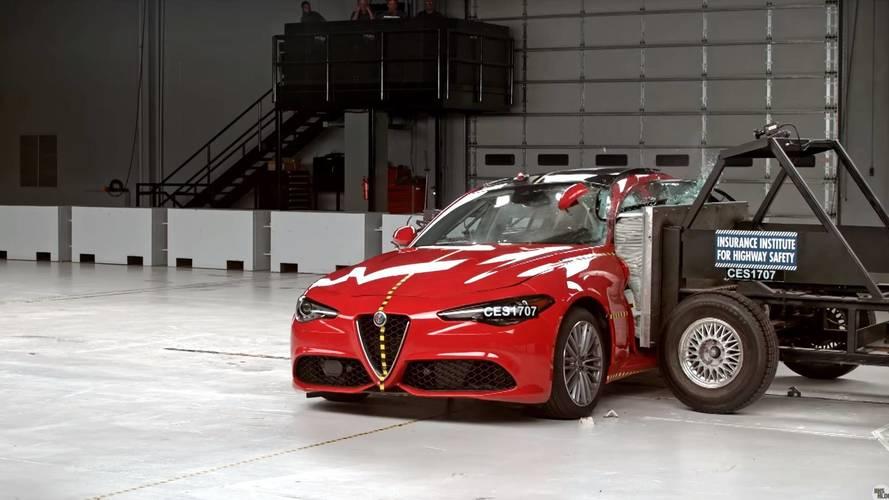 Tökéletes töréstesztet produkált a frissített Alfa Romeo Giulia