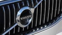 2018 Volvo XC60 T8 E-AWD: Review