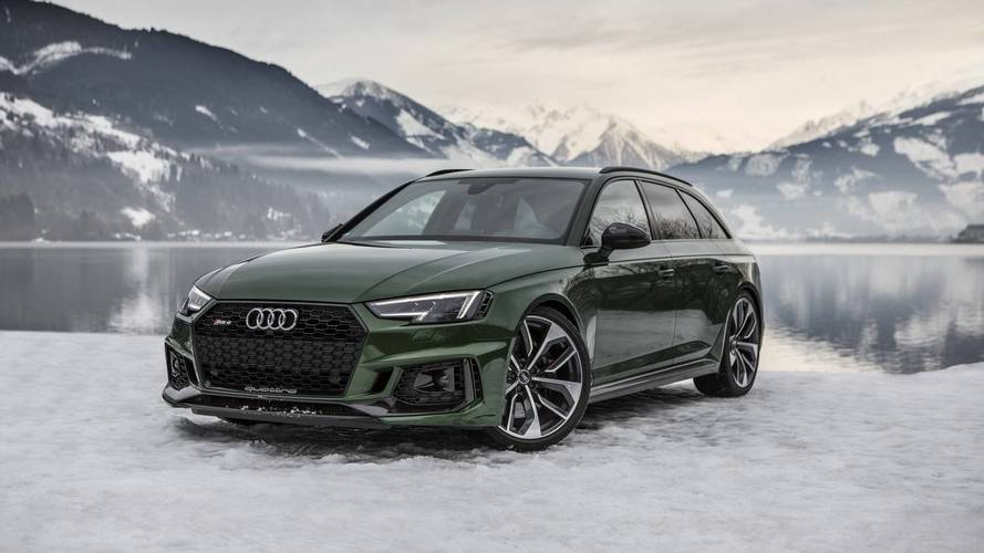 Audi RS4 Avant Flaunts Sonoma Green Paint In A Winter Wonderland