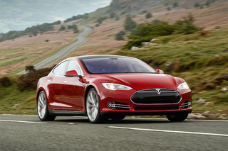 Tesla Breaks Records in 2015 With Over 50,000 Vehicles Delivered