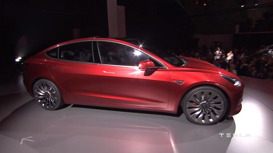 Elon Musk Agrees To 20-Inch Wheels For Tesla Model 3, Then Deletes Tweet