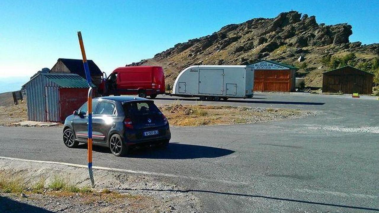 Renault Twingo GT spy photo