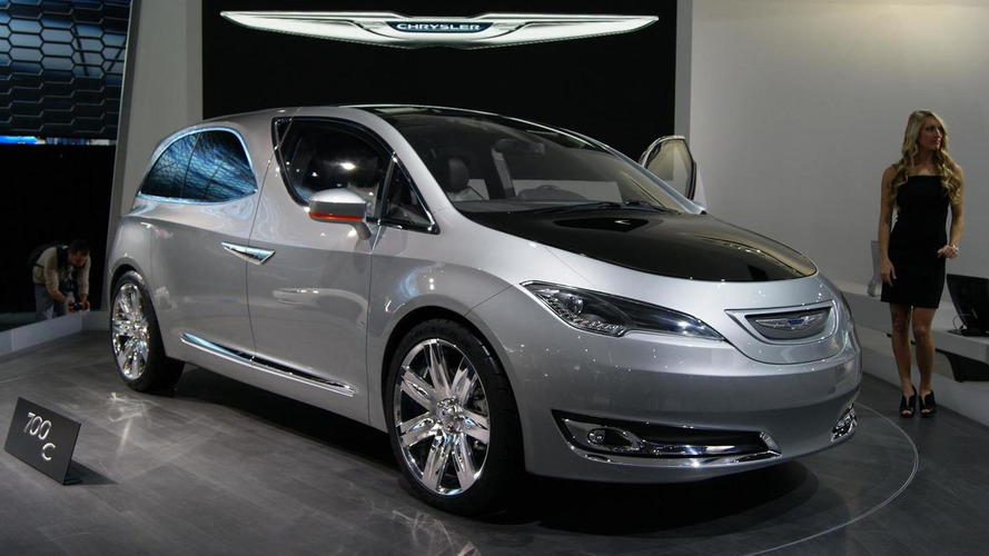 Chrysler 700C Concept found lurking in the corner