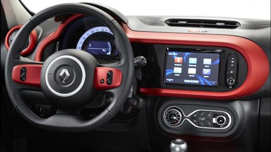 Renault porta Facebook in auto