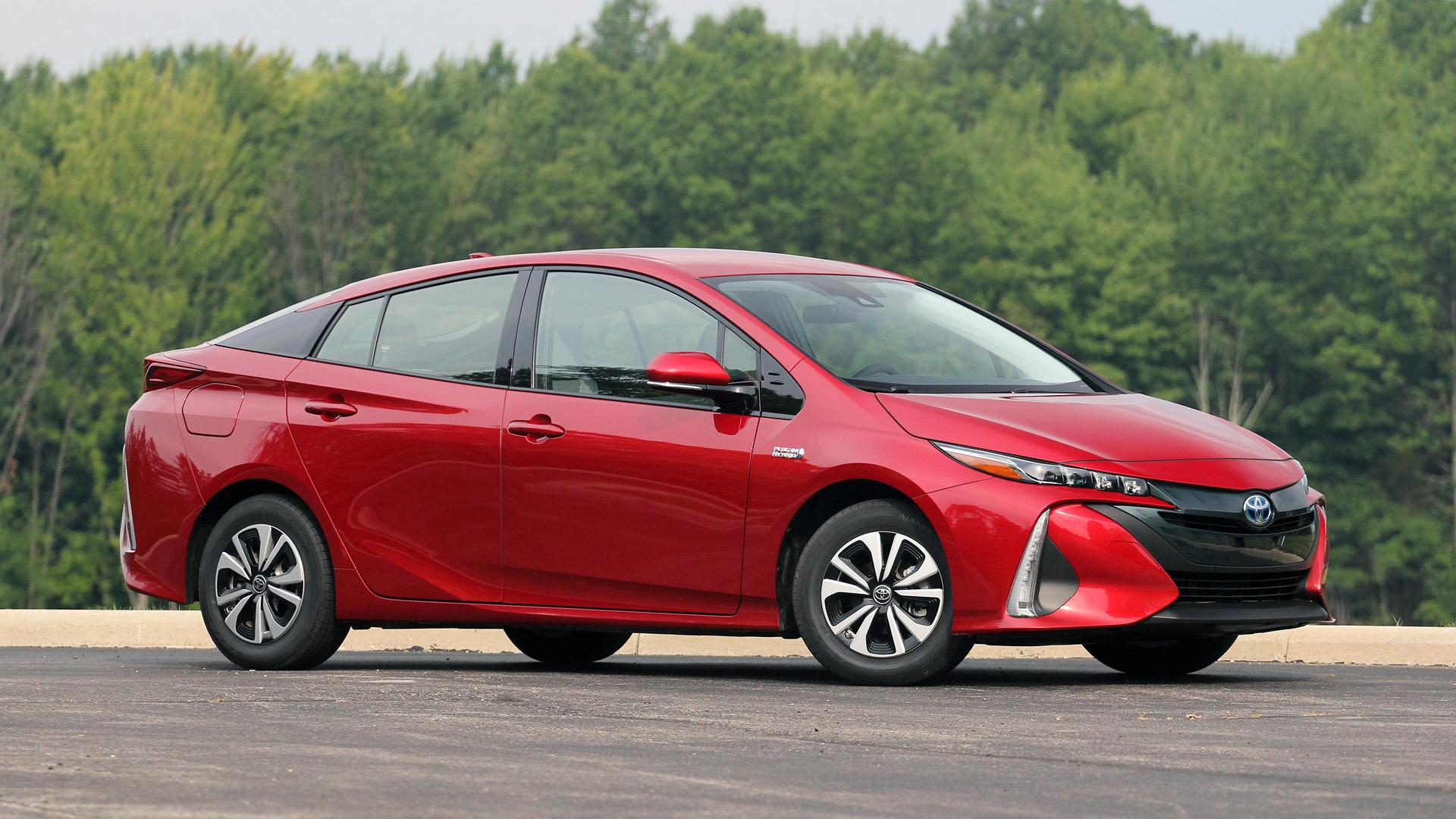 2017 toyota prius prime review the argument against cord cutting. Black Bedroom Furniture Sets. Home Design Ideas