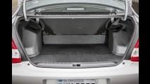 Teste CARPLACE: Etios Sedan XLS 2014 mostra que tapa no interior é refresco