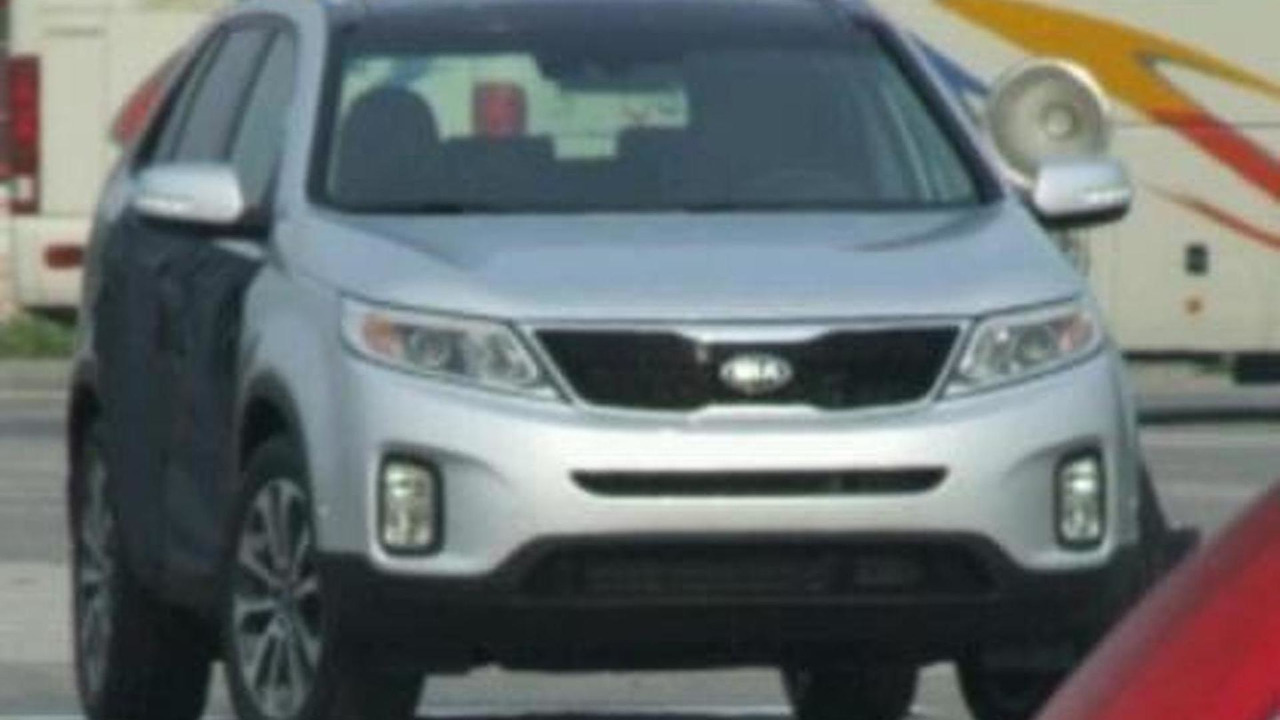 Kia Sorento facelift spy photo