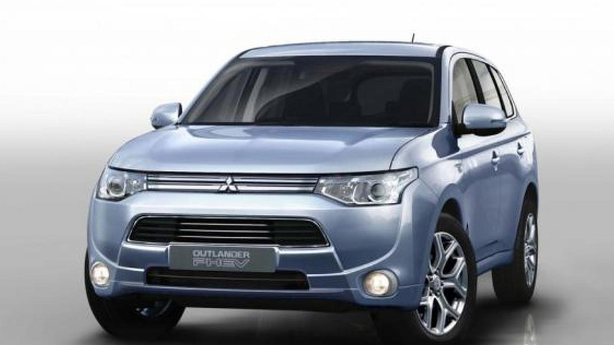 2013 Mitsubishi Outlander PHEV gets detailed ahead of Paris debut
