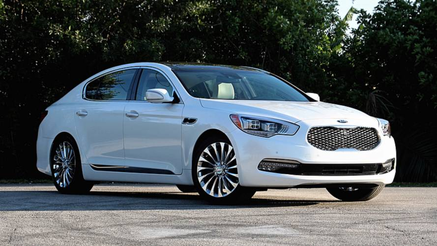 2017 Kia K900: A Tough Proposition