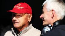 Niki Lauda (AUT) with Geoff Willis (GBR), 19.02.2014, Bahrain Test One, Day One, Sakhir / XPB