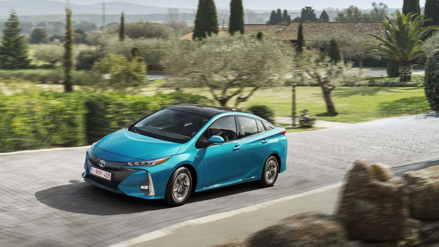 2017 - Toyota Prius Rechargeable