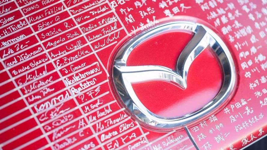 540 ezer autót hív vissza a Mazda