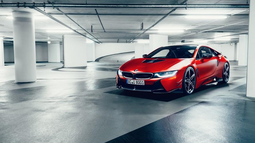 BMW i8 karbon fiber rejiminde