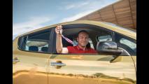 Nissan, una Leaf dorata per Rio 2016