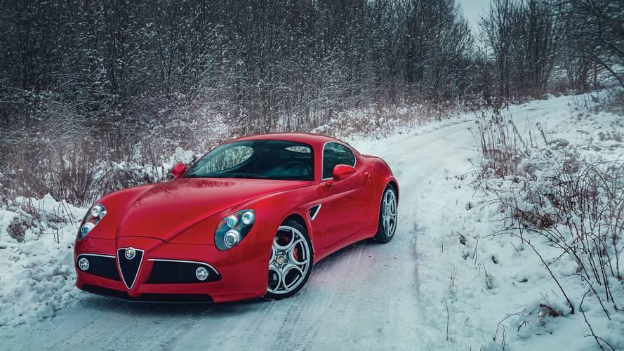 Alfa Romeo 8C Competizione 10 yıl sonra bile çok şık