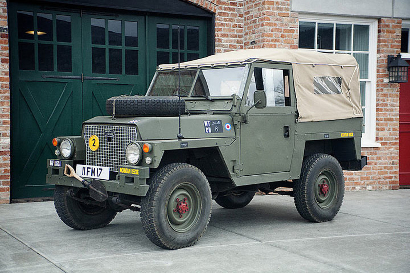 This Vintage Land Rover was Built to Fly