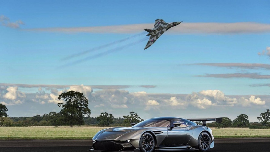 Aston Martin Vulcan meets the Avro Vulcan bomber it's named after [video]