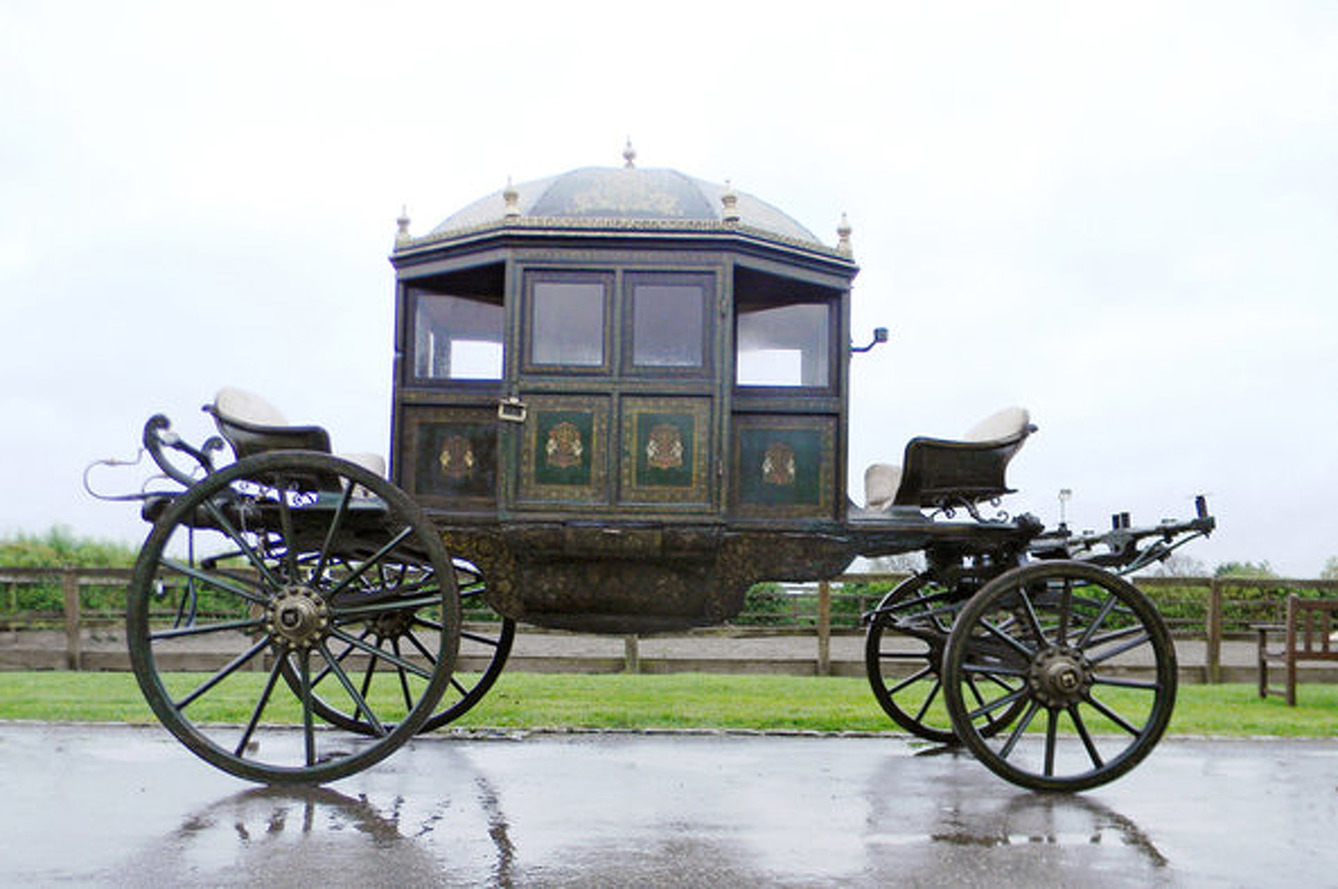 187 Year Old Indian Royal Swag-Wagon Up for Auction
