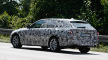 2017 BMW 5-Series Touring plug-in hybrid spy photo
