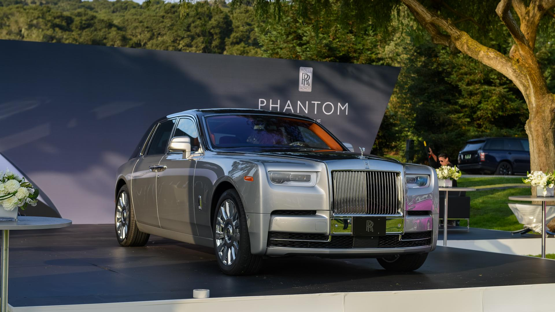 2018 rolls royce phantom commands attention at monterey for Newspaper wallpaper for sale