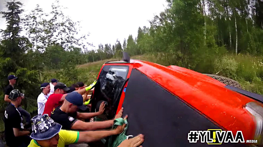See These Awesome Rally Fans Help 15 Cars At Neste Rally Finland