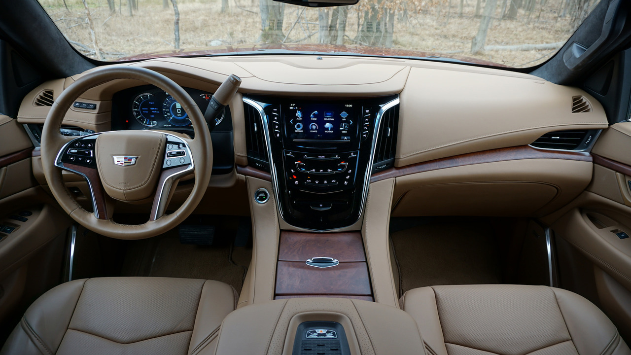 2017 cadillac escalade review beauty and brawn. Black Bedroom Furniture Sets. Home Design Ideas