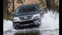 Revelada! Esta é a nova geração do Toyota SW4