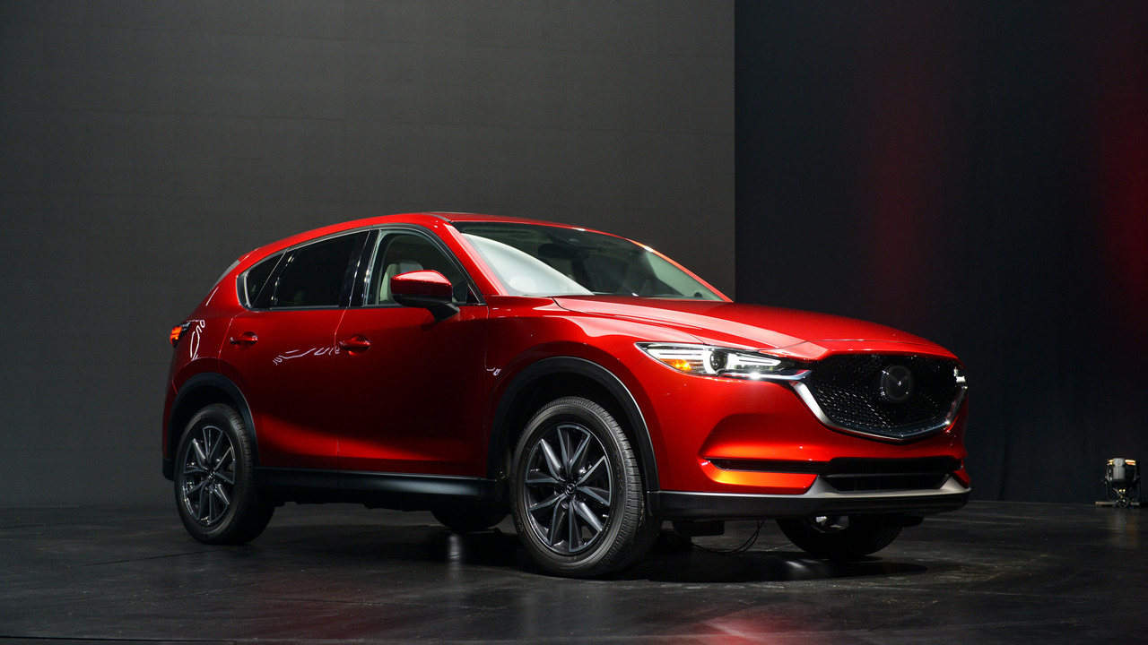 all new 2017 mazda cx 5 makes designing gorgeous crossovers look easy. Black Bedroom Furniture Sets. Home Design Ideas