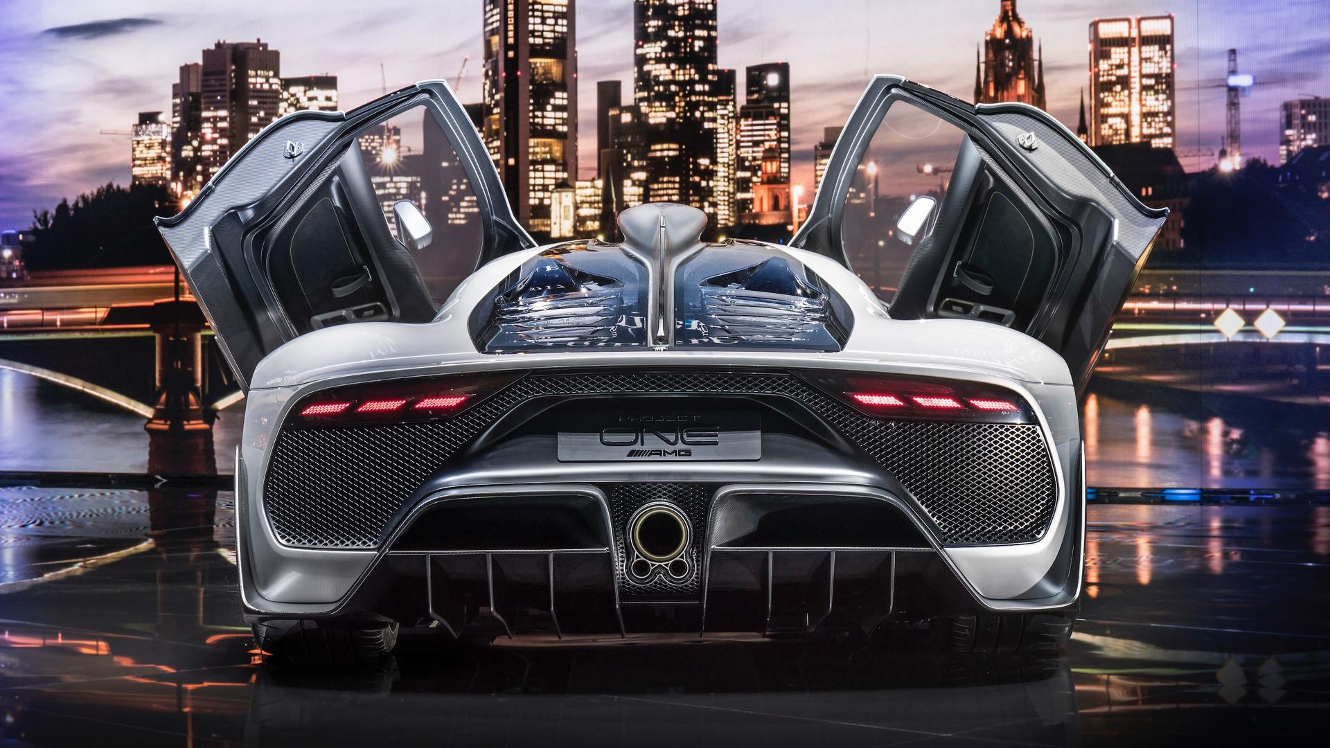 mercedes amg project one successor could arrive by 2025 as an ev. Black Bedroom Furniture Sets. Home Design Ideas