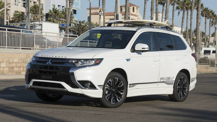 2018 Mitsubishi Outlander PHEV First Drive: Head Of The ...