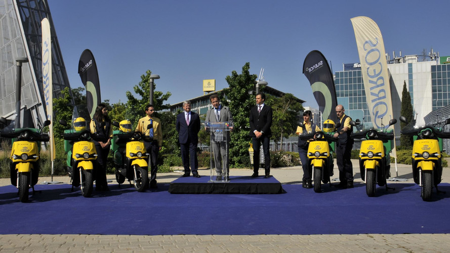Correos apuesta por la ecología con motos eléctricas fabricadas en España