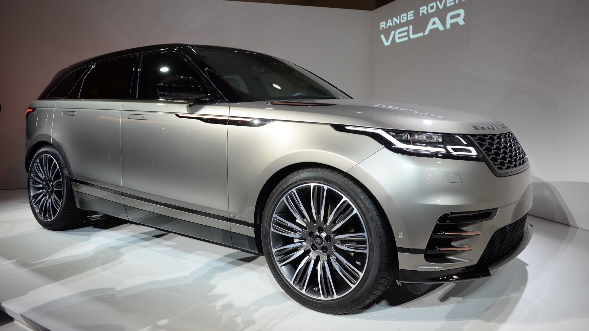 Range Rover Velar Coupe Suv Arrives This Summer Starts At 62 000