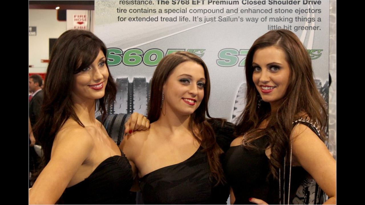 Ob diese drei Girls alle von Natur aus brünett sind?