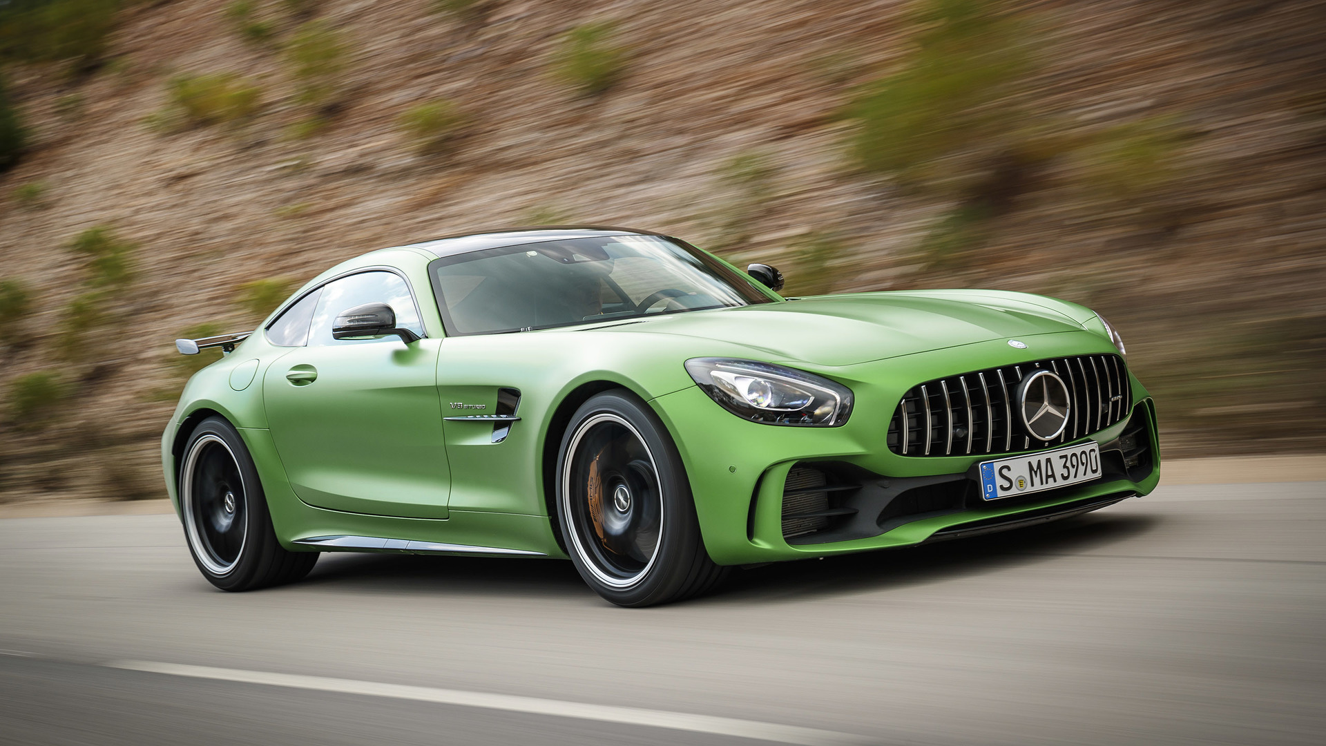 2018 mercedes amg gt r first drive the green monster of for Mercedes benz usa website