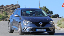 Renault Megane RS test mule spy photo