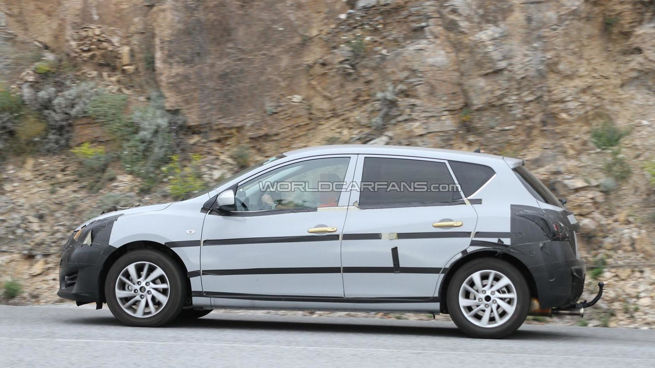 2014 Nissan Tiida replacement spy photo 15.07.2013