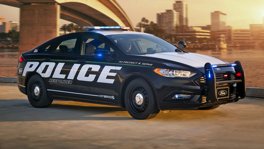 Ford Fusion Hybrid recebe preparação e vira carro de polícia