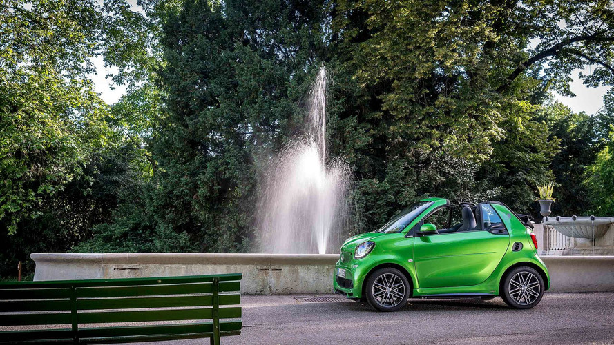 2017 Smart ForTwo Cabrio ED First Drive: An Electric City Car Star