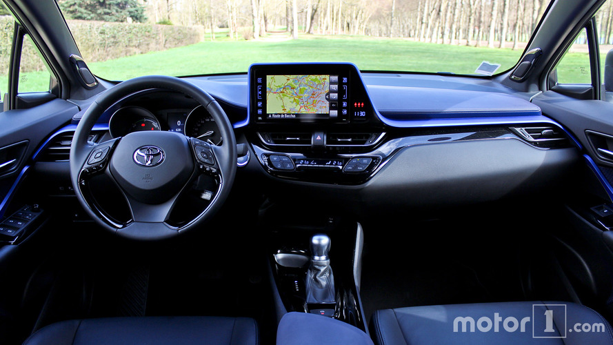 Interieur toyota chr gen ve 2016 live toyota c hr le for Interieur toyota chr