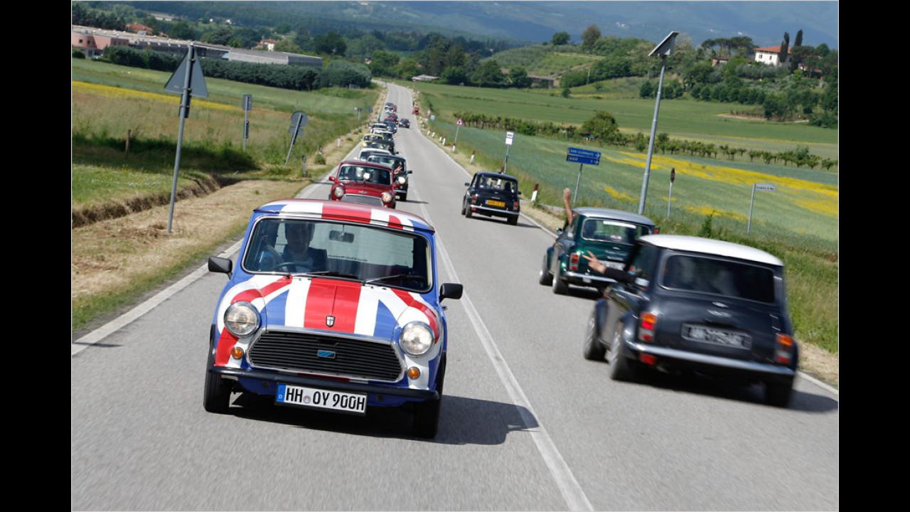 In der Toskana angekommen, spielt das Wetter dann deutlich besser mit. Natürlich gehört es zum guten Ton, andere Mini-Fahrer zu grüßen.