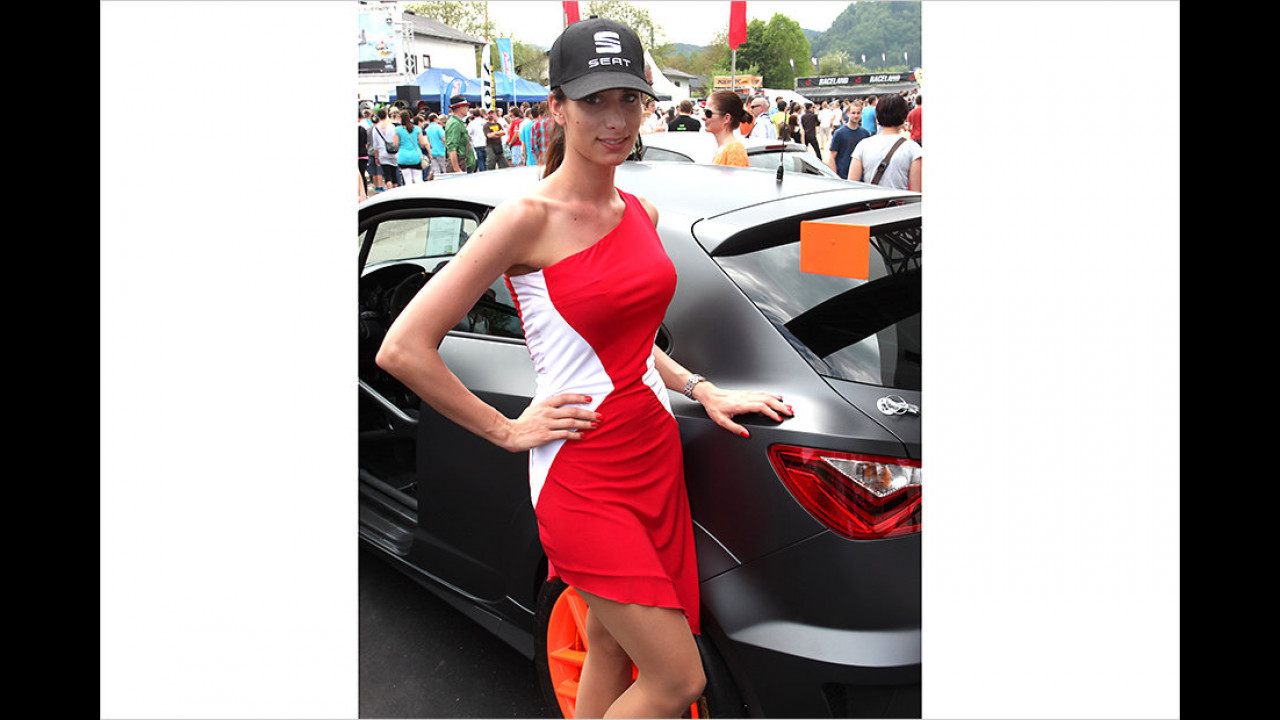 Rennversionen wie der Seat Ibiza SC Trophy sind kräftig abgespeckt. Da sollten auch der Fahrer (oder die Fahrerin) kein Gramm zuviel auf die Waage bringen