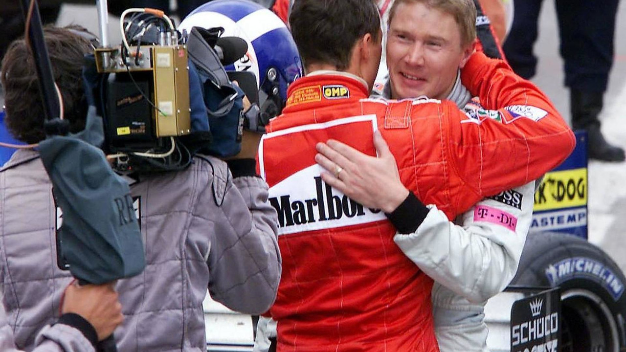 Michael Schumacher, Mika Hakkinen in Parc Ferme, 29.04.2001 Barcelona, Spain