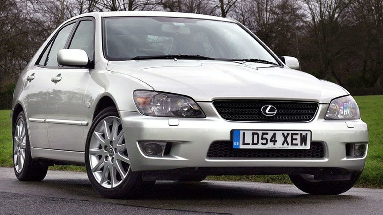Lexus 2005 IS200 SE