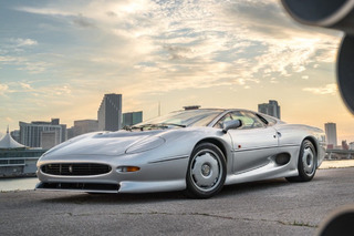 446-Mile Jaguar XJ220 is Probably the Cleanest One You'll Ever See