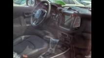 Flagra! Jeep Compass 2017 aparece sem disfarces poucos dias antes da estreia